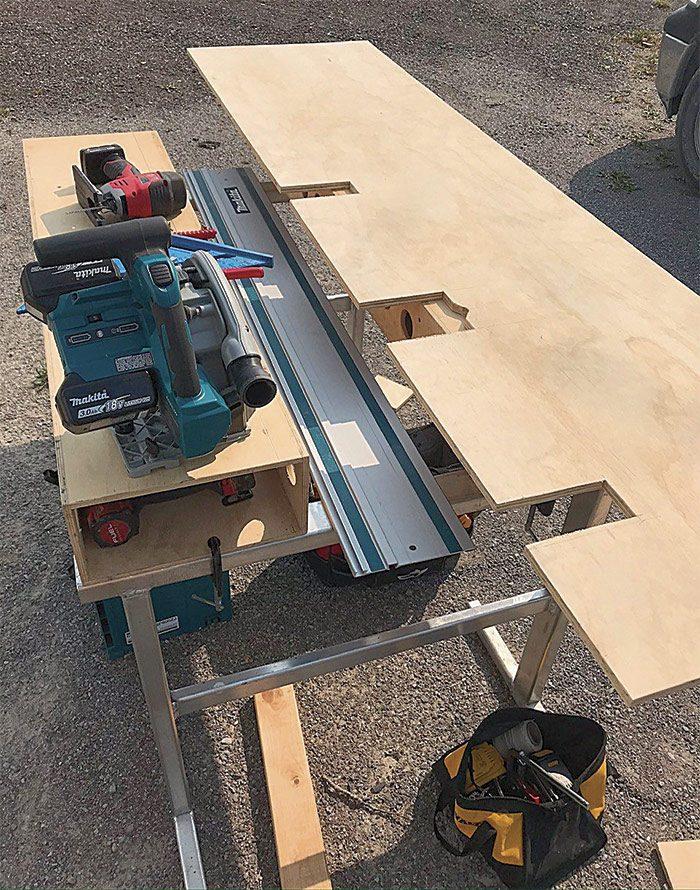 metal fabricator's saw horse