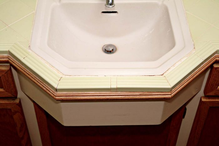 Small areas of missing grout can easily be repaired.