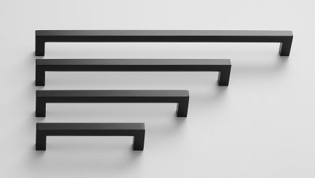 Four handles of descending size in the color black