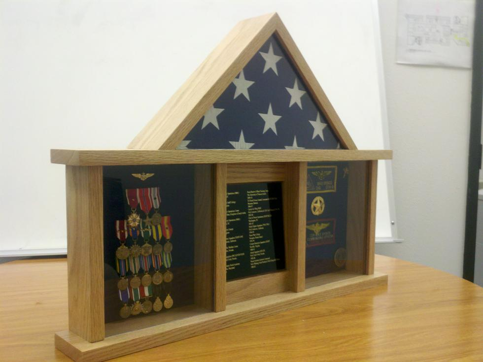 Military shadowbox finewoodworking for Shadow box plans pdf