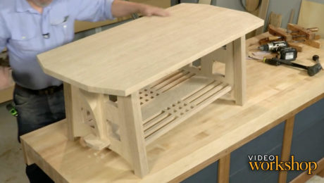 assembly of a dovetailed table