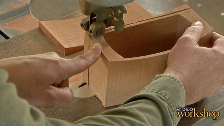 Saddle lid box: Cutting and assembling