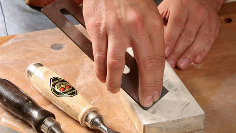 how to sharpen a chisel or plane iron freehand