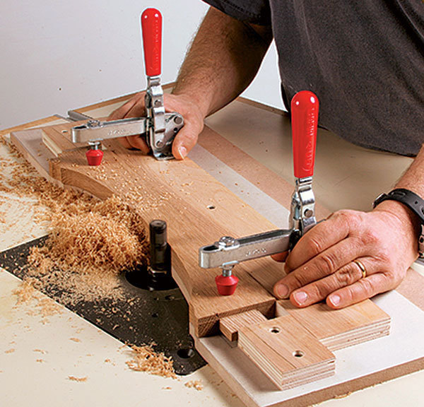 Five Essential Router Table Jigs In Action Finewoodworking