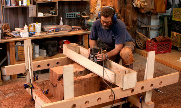 Router Jig Turns Stumps into Beautiful Side Tables - FineWoodworking