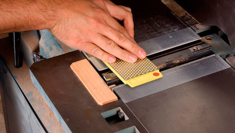 Video How To Sharpen Jointer Knives Finewoodworking