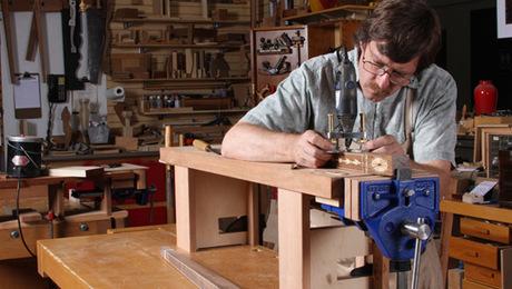 Mini Workbench Makes Detail Work Easier Finewoodworking