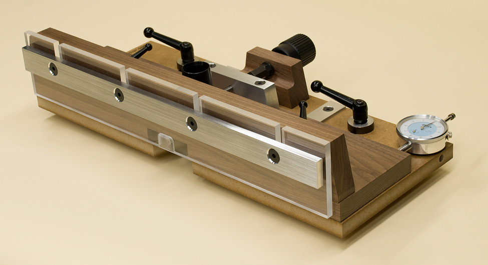 The ultimate jig for making jigs finewoodworking for How to make a router table stand