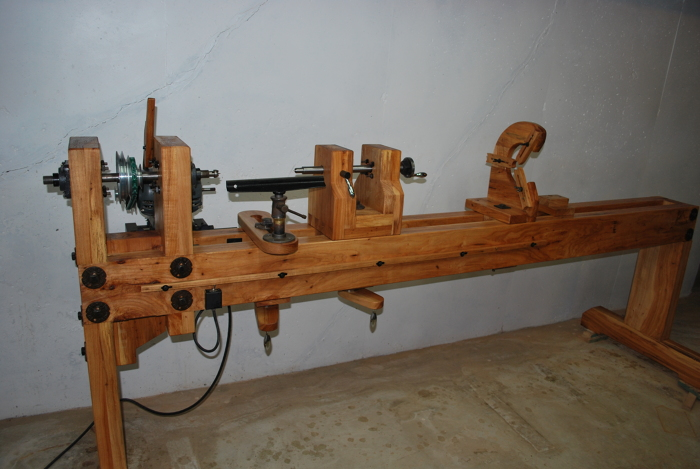 Carlyle Lynch Style Wood Lathe - FineWoodworking
