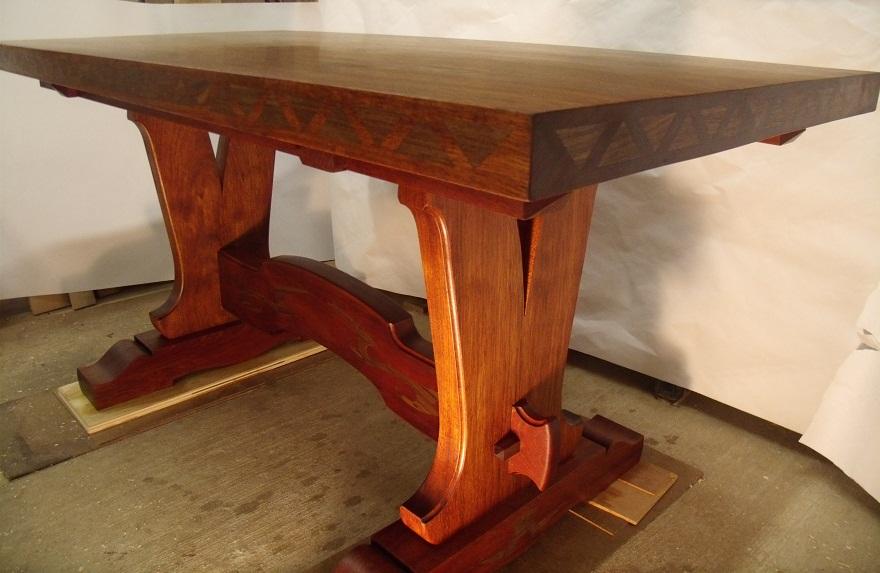Top custom brazilian cherry table - FineWoodworking FD32