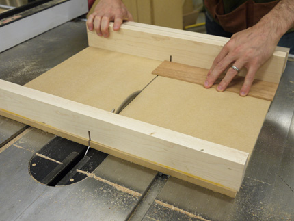 Build A Super Precise Tablesaw Crosscut Sled