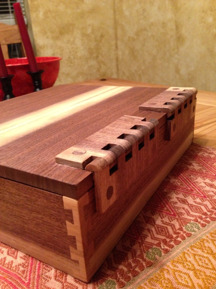 Box with corner post dovetails and wooden hinges - FineWoodworking