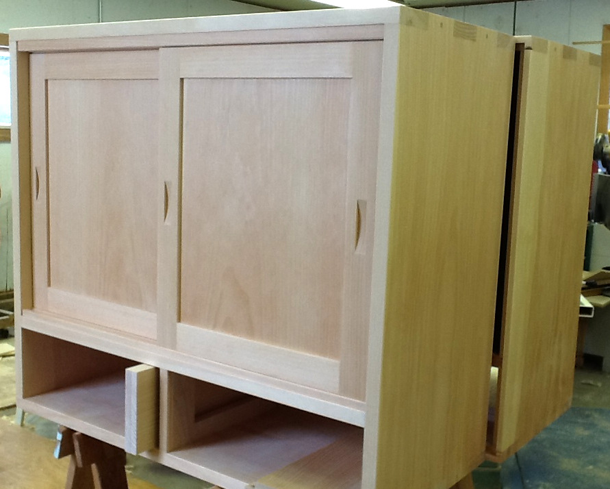 Making A Simple Cabinet Door : Easy handles for a sliding doors finewoodworking