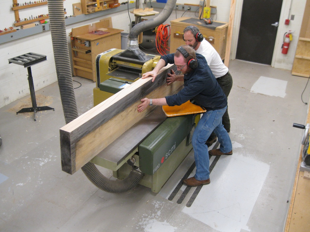 Incredible Building A Two Slab Roubo Workbench Part 1 Finewoodworking Dailytribune Chair Design For Home Dailytribuneorg