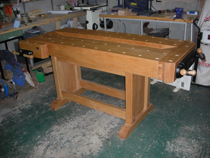 Fine Essential Workbench Has Lived Up To Its Name Finewoodworking Creativecarmelina Interior Chair Design Creativecarmelinacom