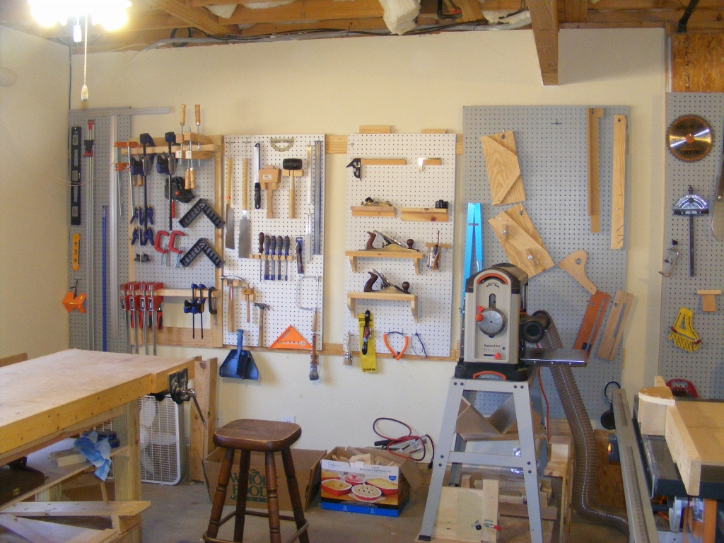 Basement shop finewoodworking for Basement design tool