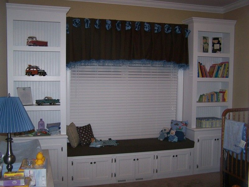 window seat and bookshelves for nursery - Window Seat With Bookshelves