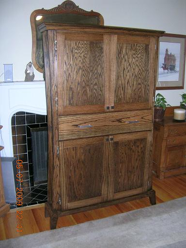 The Cabinet Is Red Oak Stained With Jacobean Stain Shelves Are Baltic Birch To Provide A Light Contrast Dark Carcass
