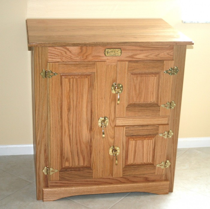 1920 1930 Ice Box. Was In Popular Use Prior To Refrigerator Ownership. The  Large Door Was Used For The Block Of Ice. It Is Made Of Red Oak.