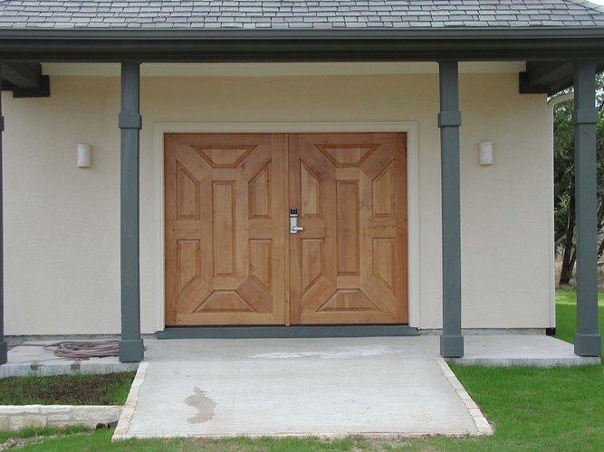 Article Image & Workshop doors - FineWoodworking