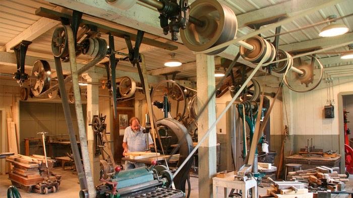 Motc Bob Berghorst S Vintage Line Shaft Woodshop