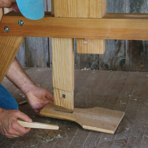 adjust pressure to have a good grip on the shaving horse
