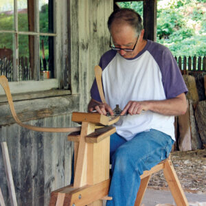 close the clamping head using the shaving horse for maximum stability