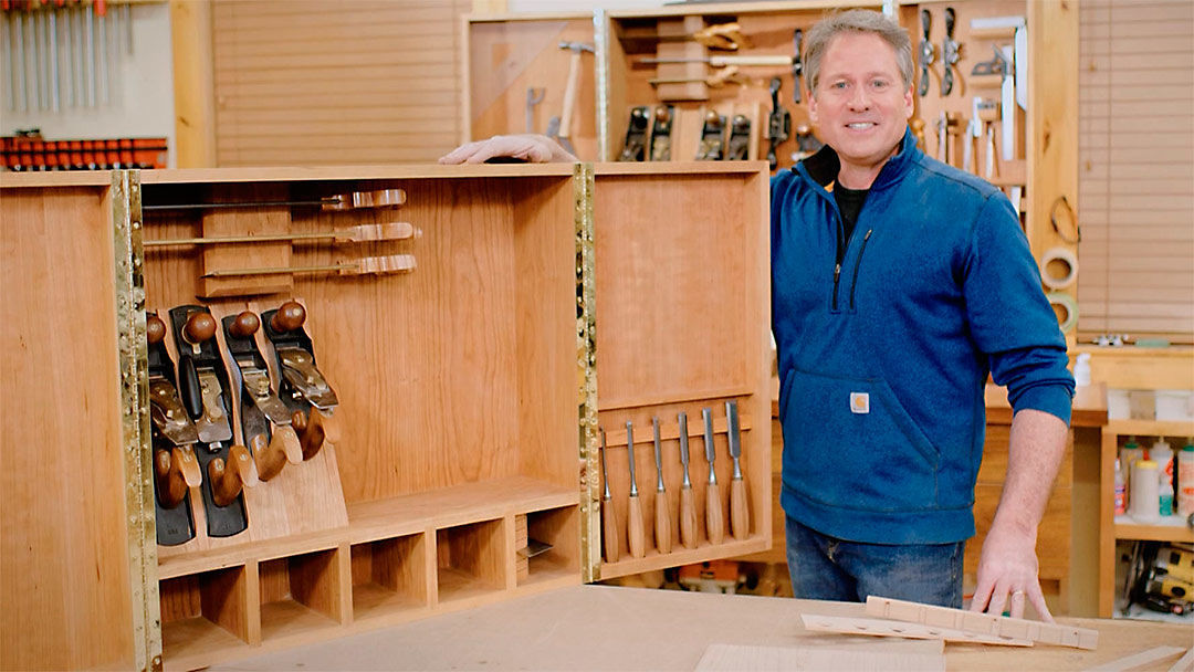 Classic Woodworking: Wall Cabinet For Hand Tools (113