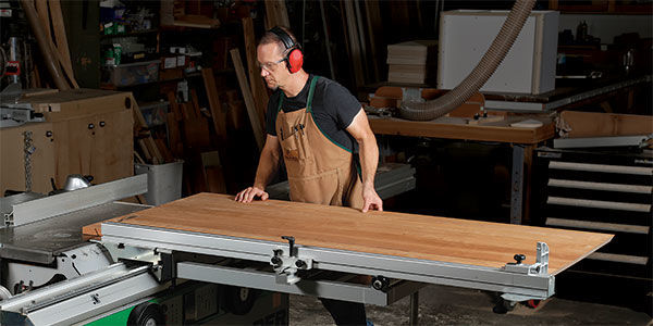 Crosscutting a large piece on a sliding tablesaw