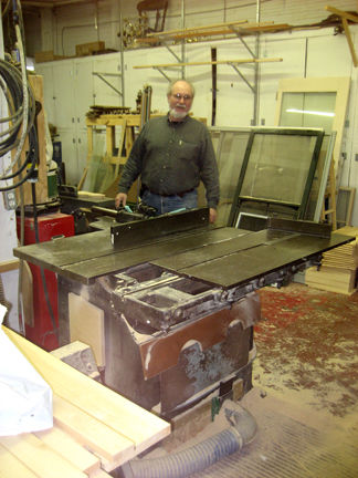 Who Has The Oldest Functional Table Saw? - FineWoodworking