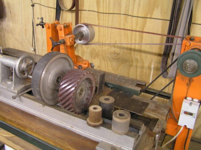Magnificent Wheel Grinder Technique Safety Finewoodworking Ibusinesslaw Wood Chair Design Ideas Ibusinesslaworg