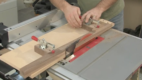 Taper Legs on the Tablesaw