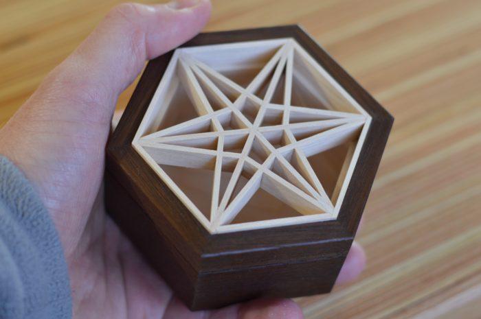 small box with a kumiko panel