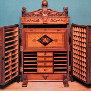 Wooton Patent Desks