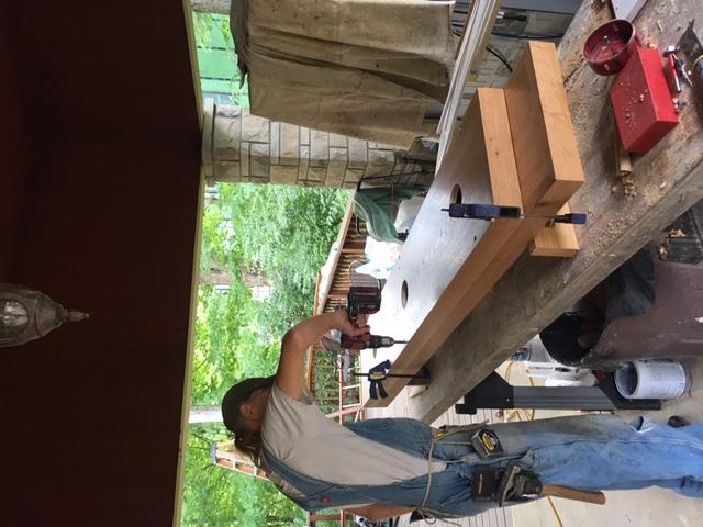Como construir prateleiras suspensas com iluminação integrada, Parte 2: Instalação 50