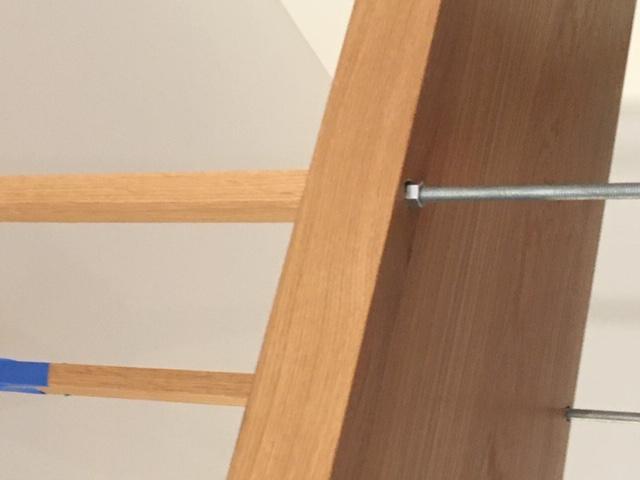 Como construir prateleiras suspensas com iluminação integrada, Parte 2: Instalação 56