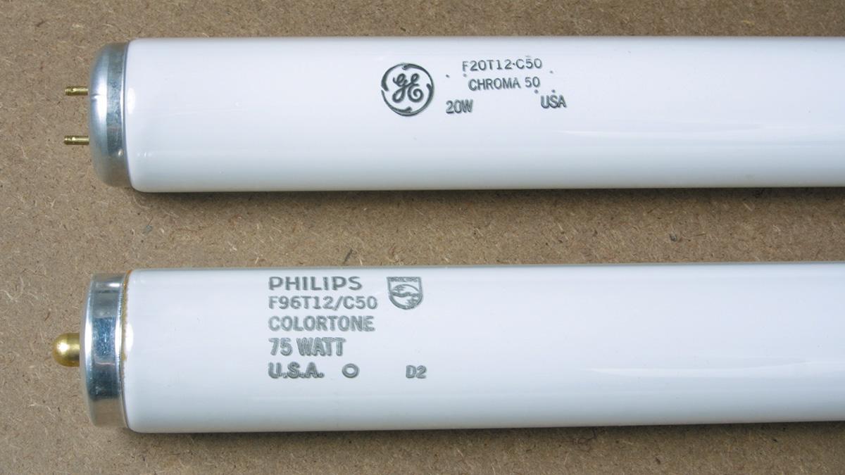 Full-spectrum fluorescent tubes