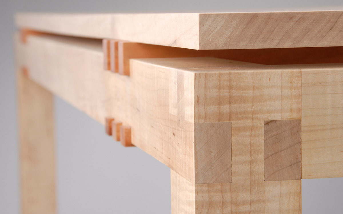 floating top table close up