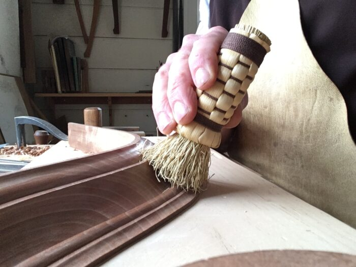 using a polisher on curved molding