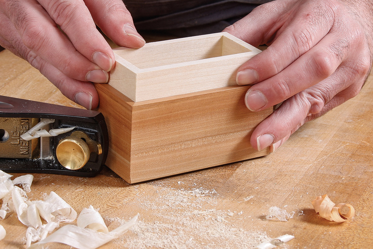Slide the bottom box into the lid box