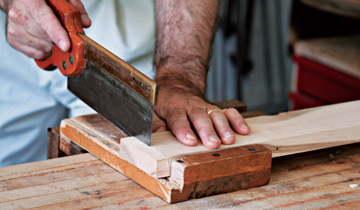 using a bench hook for sawing