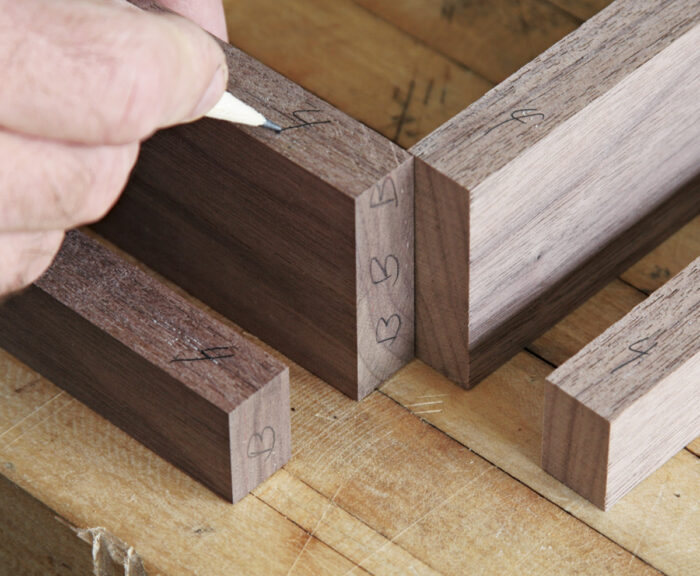 Label the joints and top edges.