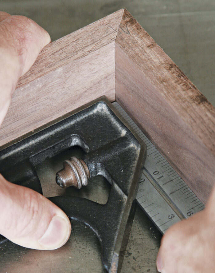 Test the cuts against square checking for gaps .