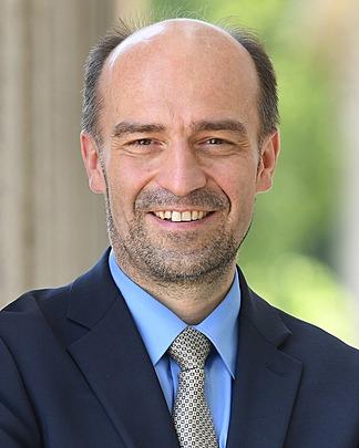 Werner taiber meriton investment bank mercado forex como funciona netflix