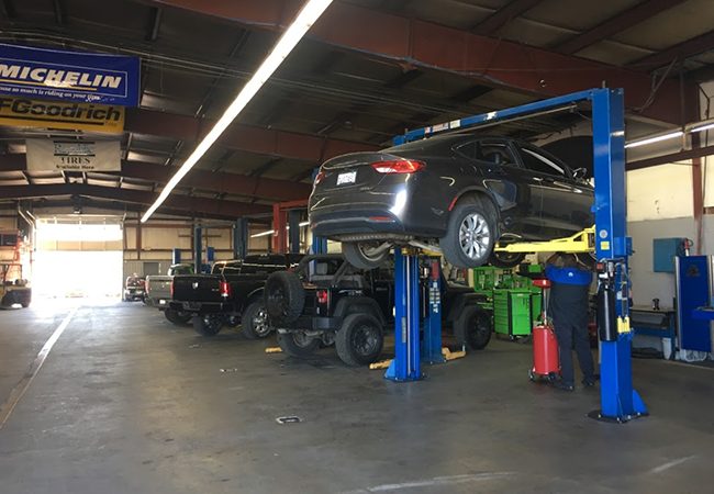 I-5 Dodge Chrysler Jeep Ram Service Bay