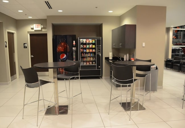 Naperville Chrysler Dodge Jeep Ram Snack and Beverages