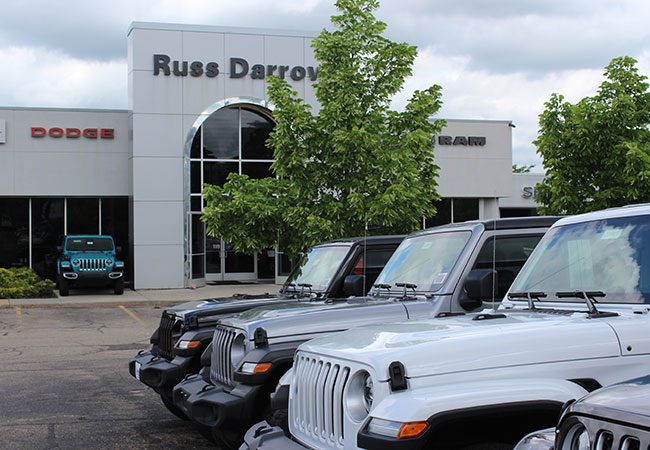 Russ Darrow CDJR Dealership Amenities