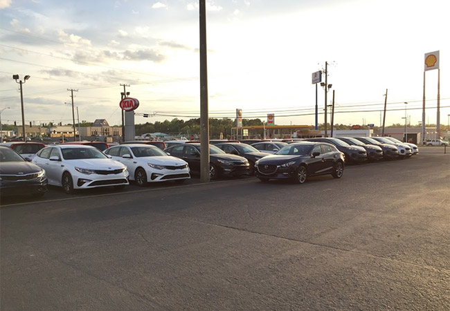 Julio Jones Kia Dealership Lot