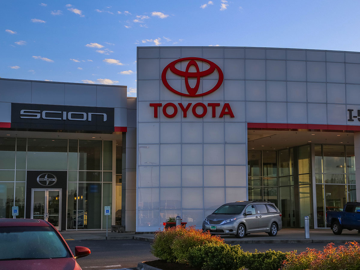 I-5 Toyota Service Center