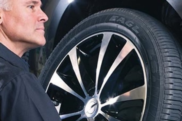 Chrysler Dodge Jeep Ram Tire Balance Service | near Huntington Park & Lynwood, CA
